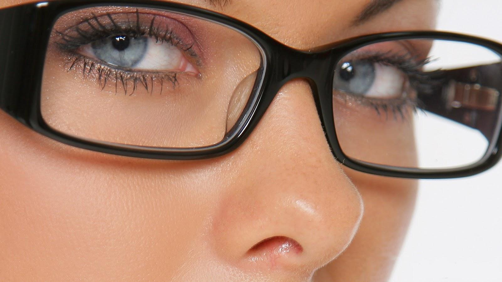 اعراض اصابتك بامراض تظهر من عينك